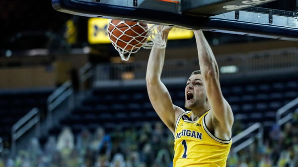 Michigan Wolverines Hunter Dickson is a key to their against the spread record