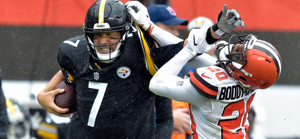 The Steelers and Browns expected to battle for AFC North title